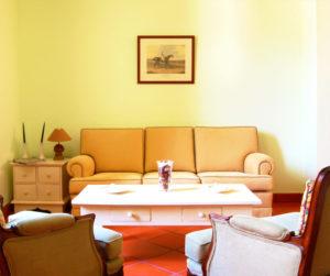 {:gb}Picture of the Apartment Apartment Living area sofa{:}{:pt}Imagem do apartamento Apartment Living sala de estar sofá{:}